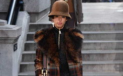 Marc Jacobs closes NYFW with little production, big show
