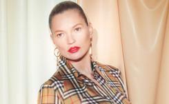 Sale a la venta la colección Burberry de Vivienne Westwood con Kate Moss como protagonista.