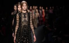 Fourrures, look rétro festif ou militaire: dix tendances des Fashion weeks