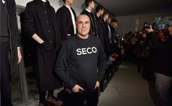 """El mexicano Ricardo Seco presentó una moda """"urbana y sofisticada"""" en París"""
