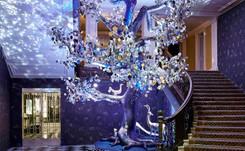 Diane von Furstenberg diseña el Árbol de Navidad del hotel Claridge's de Londres