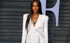 En Nigeria, Naomi Campbell suscita el lanzamiento de Vogue África