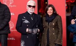 Karl Lagerfeld y Chanel iluminan de rojo los Campos Elíseos