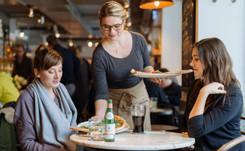 Zeitenwende im Einzelhandel: Gastronomie verdrängt Bekleidung von Platz eins