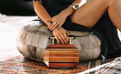 Conoce Souf, la marca de accesorios de lujo hechos con madera reciclada