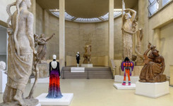 """Fashion from behind"": new exhibition in Paris has unexpected theme"