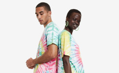 """Desigual """"Pride"""": una camiseta para celebrar el orgullo y la diversidad"""