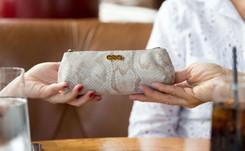 AnnaBís, la primera marca de bolsos de lujo para el cannabis