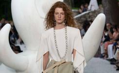 Louis Vuitton défile à la Fondation Maeght, ode à l'excentricité