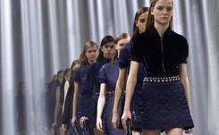 La pasarela de Milán da una lección de estilo y geometría