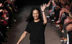 Diseñador estadounidense Alexander Wang deja Balenciaga
