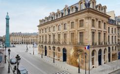 Louis Vuitton s'empare de la place Vendôme