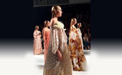 Juan Duyos premiado por la mejor colección de la semana de la moda de Madrid